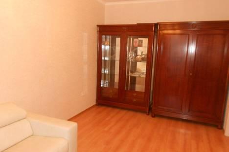 Сдается 1-комнатная квартира посуточно в Ильичёвске, 1мая 1г.