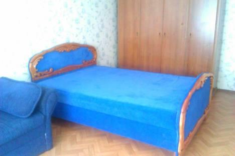 Сдается 2-комнатная квартира посуточно в Ильичёвске, Ленина 3а.