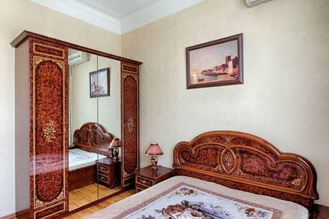 Сдается 2-комнатная квартира посуточно в Москве, Кутузовский пр. д.33.