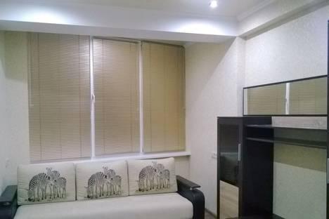 Сдается 1-комнатная квартира посуточно в Сочи, ул. Известинская дом 2.