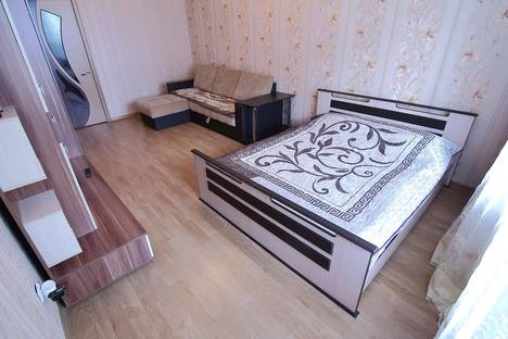 Сдается 1-комнатная квартира посуточно в Брянске, ул. Дуки, 71.