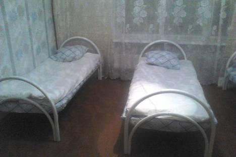Сдается 3-комнатная квартира посуточно в Екатеринбурге, ул. Пехотинцев, 17.