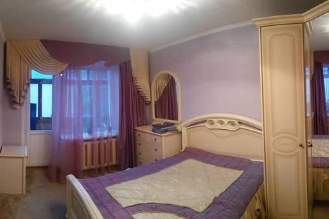 Сдается 3-комнатная квартира посуточно в Бузулуке, 1 микрорайон, 118.