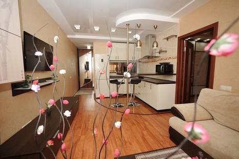 Сдается 2-комнатная квартира посуточнов Саратове, ул. им Мичурина И.В., 55/61.