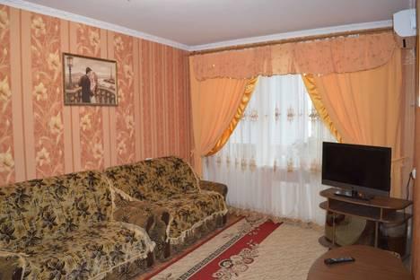Сдается 1-комнатная квартира посуточно в Новой Каховке, Парижской Коммуны 3-А.