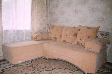 Сдается 1-комнатная квартира посуточно в Златоусте, проспект им Ю.А.Гагарина 3-я линия,.