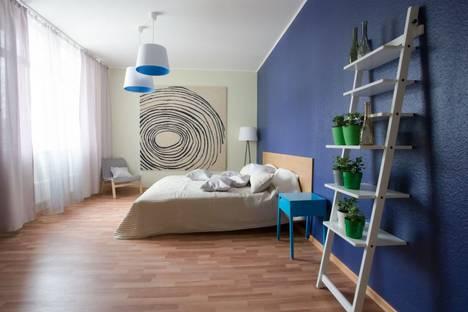 Сдается 2-комнатная квартира посуточно в Екатеринбурге, 8 Марта 190.
