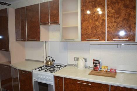 Сдается 1-комнатная квартира посуточно в Чебоксарах, ул. Ярмарочная, 15.