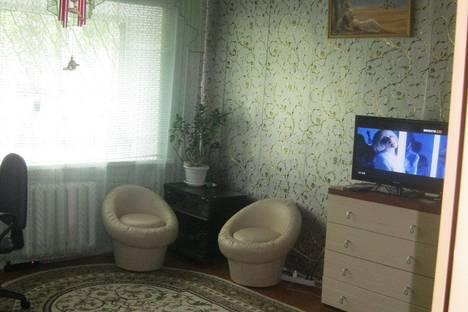 Сдается 1-комнатная квартира посуточно в Орехово-Зуеве, ул. Двор Шелкоткацкой Фабрики,  15.