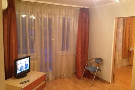 Сдается 2-комнатная квартира посуточно, Пролетарская 75.