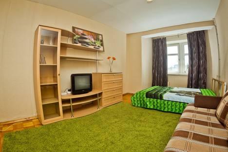 Сдается 1-комнатная квартира посуточно в Нижнем Новгороде, ул. Максима Горького, 146.