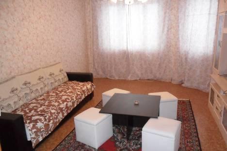 Сдается 2-комнатная квартира посуточнов Чехове, ул. Московская, 100.