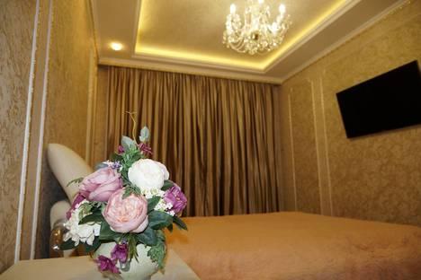 Сдается 1-комнатная квартира посуточно в Екатеринбурге, улица Щорса 103.
