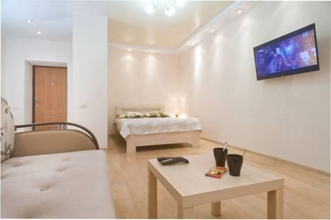 Сдается 1-комнатная квартира посуточно в Екатеринбурге, Щорса 103.