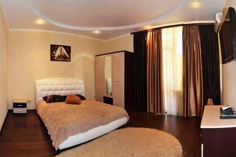 Сдается 1-комнатная квартира посуточно, Вакуленчука улица, д. 53/6.