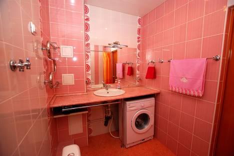 Сдается 2-комнатная квартира посуточно в Сыктывкаре, Карла Маркса 111.