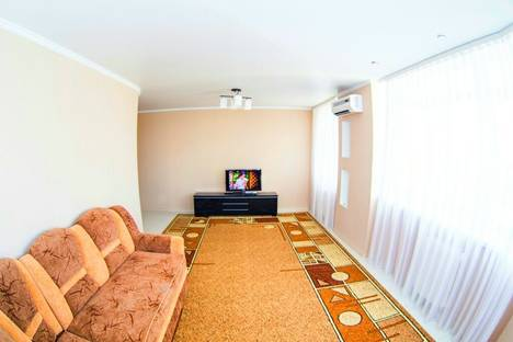 Сдается 2-комнатная квартира посуточно в Саранске, проспект 60 лет Октября, 145.