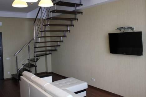 Сдается 3-комнатная квартира посуточно в Адлере, Набережная улица, д. 4, корп. 1.