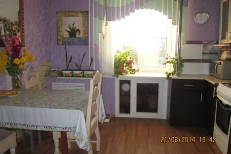 Сдается 3-комнатная квартира посуточно в Великом Устюге, ул.Советский пр-т  д.18 кв. 6.